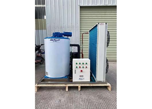 广西某水产市场3吨片冰机案例