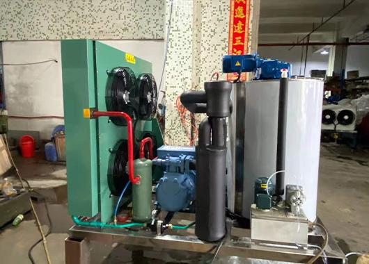 广西某化工厂3吨片冰机案例