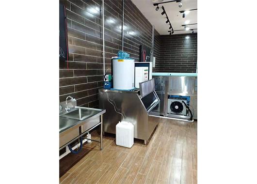 广东某超市1吨片冰机案例